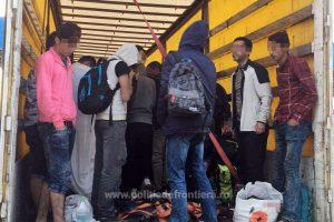 Bărbat reținut pentru trafic de migranți. Unde îi transporta