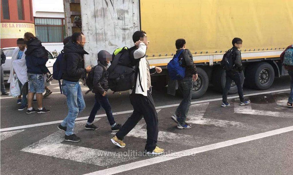Grupare specializată în traficul de migranţi, pusă pe butuci de poliţiştii de frontieră timişeni