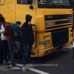 Patru irakieni şi o călăuză siriană, opriţi de poliţiştii de frontieră timişeni