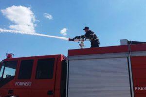 Hală a fabricii Elba, în flăcări. Pompierii timișoreni, intervenție promptă