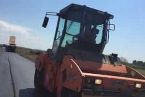 Lucrări de reparații pe mai multe drumuri din vestul țării
