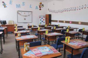 Elevii vor începe cursurile abia din februarie
