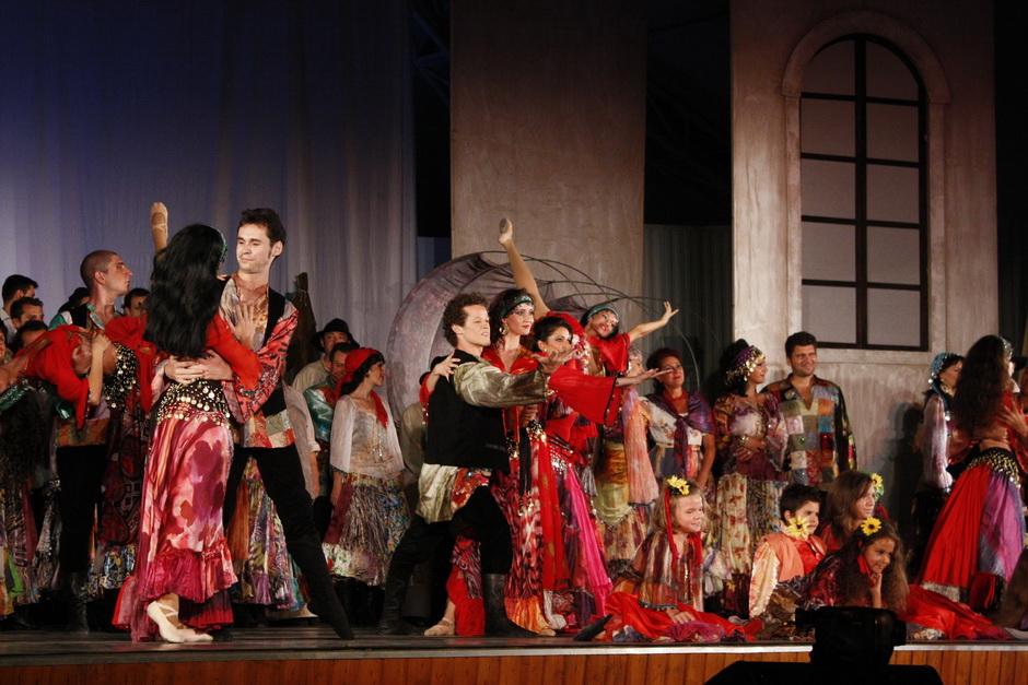 Orar prelungit la RATT pentru Festivalul de Operă. Ce spectacole putem vedea în weekend