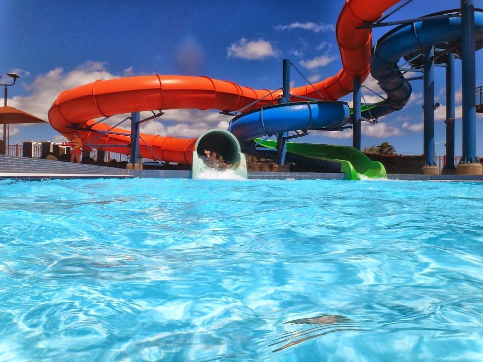 """Primarul Robu, despre Aquapark-ul promis : """"Vor fi multe bazine și un sistem de tobogane cum nu o să mai găsiți niciunde în zonă"""""""