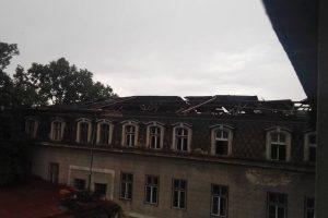 Școli şi grădiniţe închise de furtună