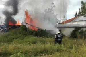 Foc lângă Casa Domnului
