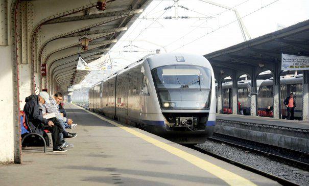 Ce reduceri oferă CFR la călătoriile cu trenul pentru copii și elevi