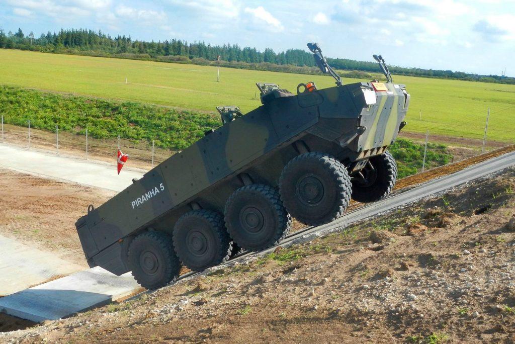 Video: A fost semnat contractul de achiziție a transportoarelor blindate PIRANHA V