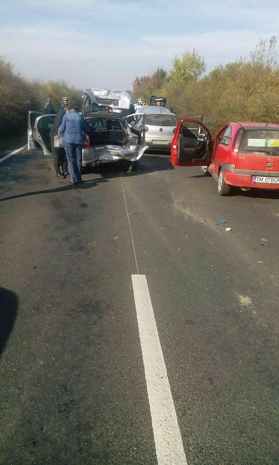 Accident în lanţ pe o şosea din Timiş