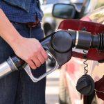 Benzina premium a ajuns la 6 lei pe litru