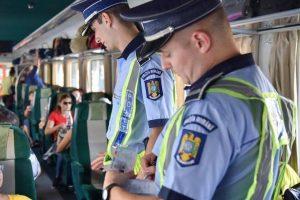 Zeci de dosare penale și 5 persoane date în urmărire națională depistate de polițiști