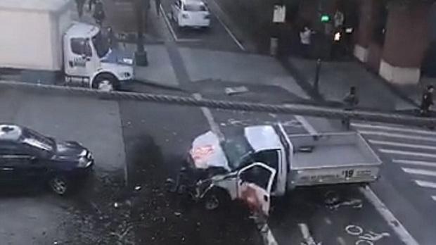 Cel puțin 8 morți, în New York, după ce un bărbat a lovit cu mașina mai mulți bicicliști și a împușcat alte persoane
