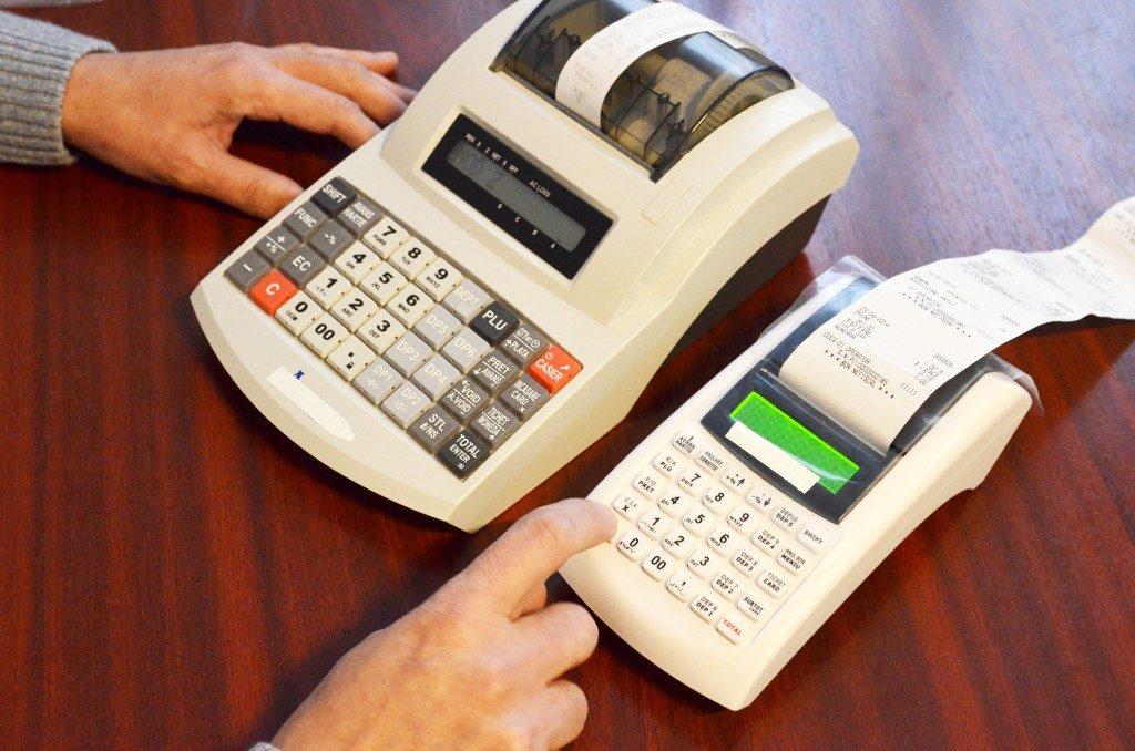 Guvernul a stabilit cerințele tehnice pentru implementarea caselor de marcat cu jurnal electronic