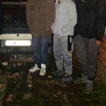 Cum s-au dat de gol în faţa poliţiştilor locali patru tineri care fumau canabis