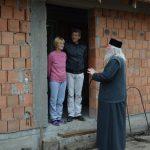 Ce gest a făcut ÎPS Ioan pentru o familie din Timiş rămasă pe drumuri în urma unui incendiu