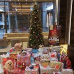 Dorinţele de Crăciun ale 150 de copii nevoiaşi, împlinite de angajaţii care lucrează în UBC 2