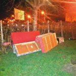 Și-a aruncat mobila veche în plină stradă, la Timișoara! Acum trebuie să plătească o amendă de 1.000 de lei
