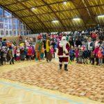 Întâlnire cu Moș Crăciun și spectacol de dresaj canin la Sânnicolau Mare