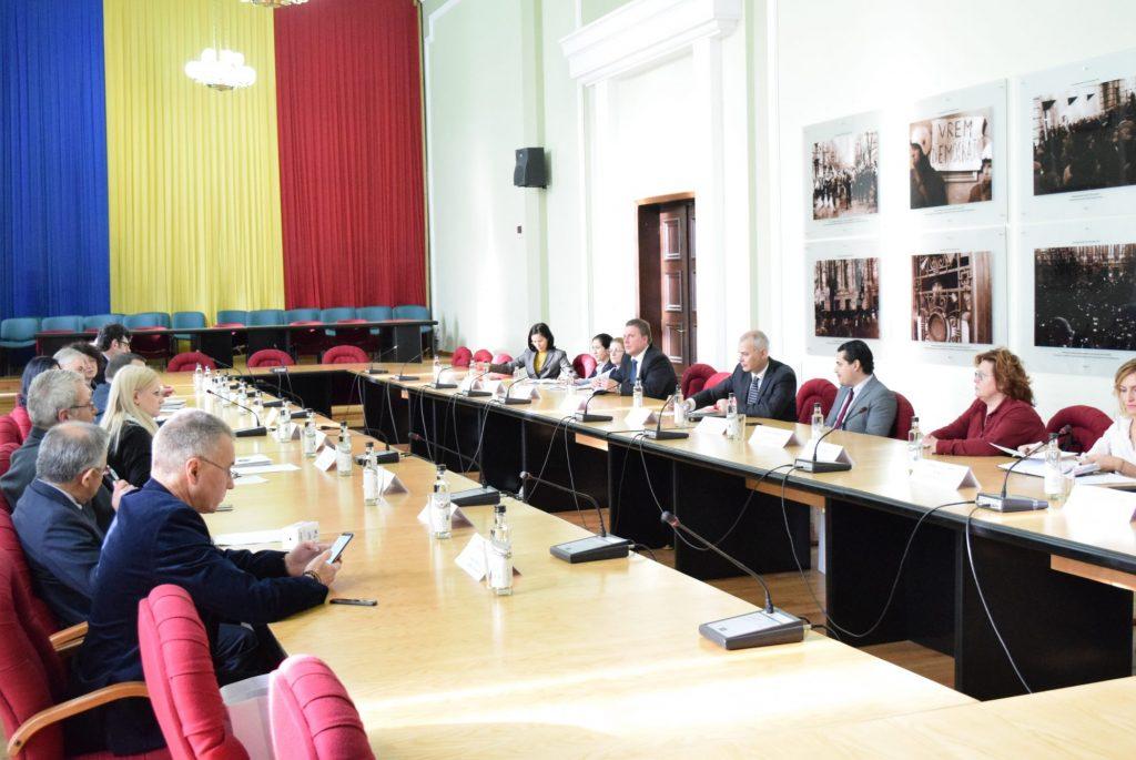 Autoritățile județene, întâlnire cu reprezentanți ai misiunilor diplomatice
