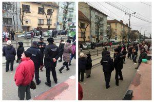 Polițiștii locali și jandarmii au amendat zeci de călători din mijloacele de transport, la Timișoara