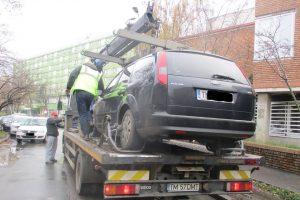 """Doi şoferi """"pericol public"""", amendaţi de Poliţia Locală. Unde au putut să parcheze"""