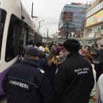 Călători beţi şi violenţi, daţi jos din mijloacele de transport cu jandarmi şi poliţişti