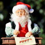 Moș Crăciun așteaptă scrisorile prichindeilor