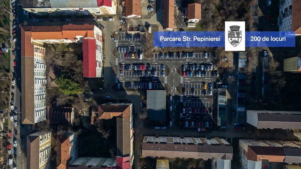 """Prima mare parcare """"de cartier"""" face furori, la Timișoara. Are aproape 200 de locuri și e gratis!"""
