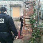 Foto: Sediul ziarului Timișoara, invadat de boschetari! Polițiștii locali i-au evacuat și au sigilat imobilul