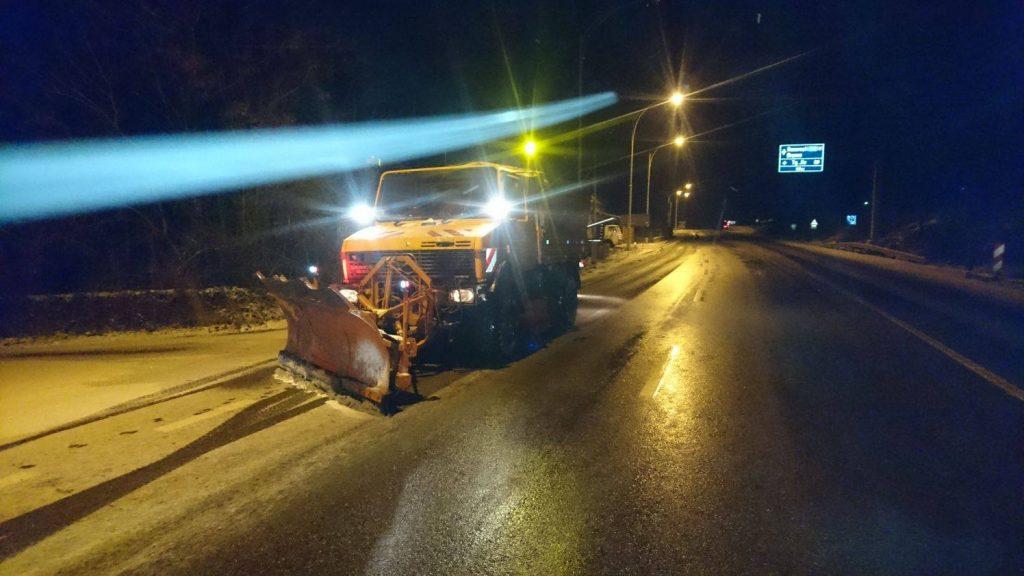 Drumarii din Timișoara au scos 60 de utilaje, pe șoselele din vest, pentru deszăpezire