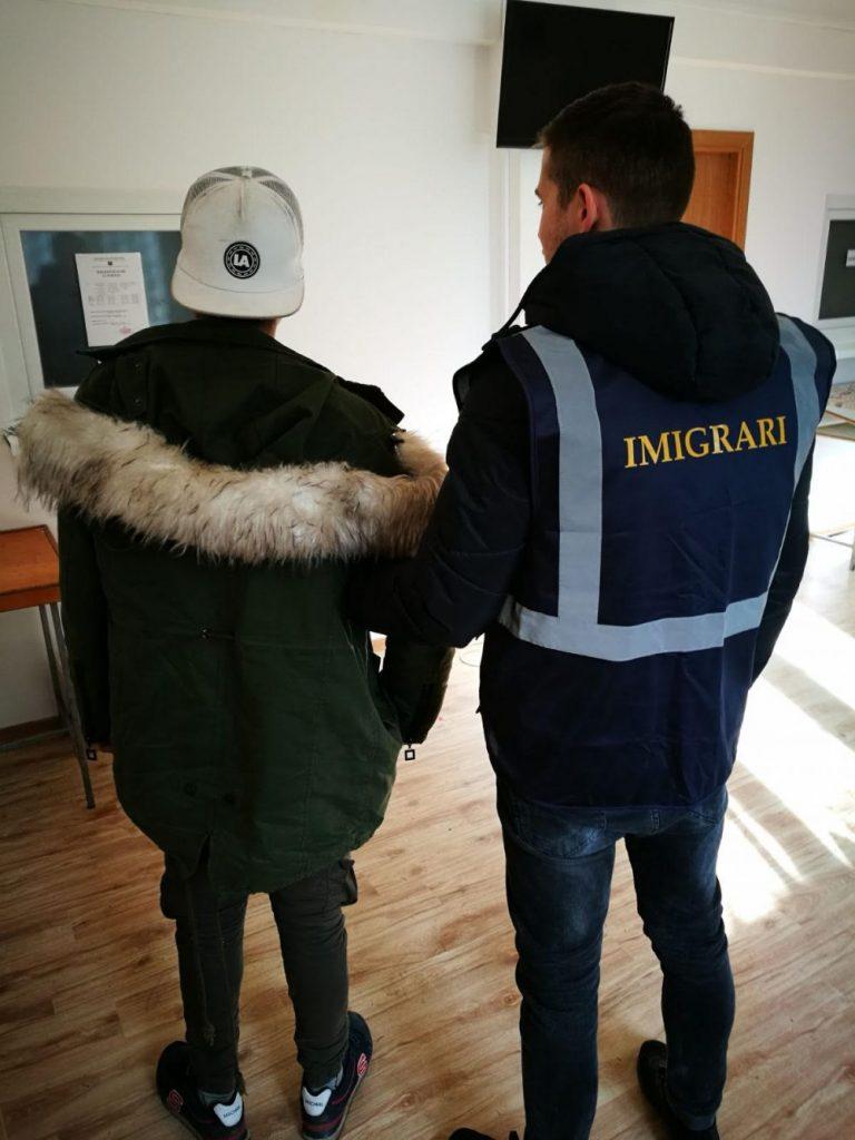 Tânăr afgan, interzis în România pentru o perioadă de cinci ani