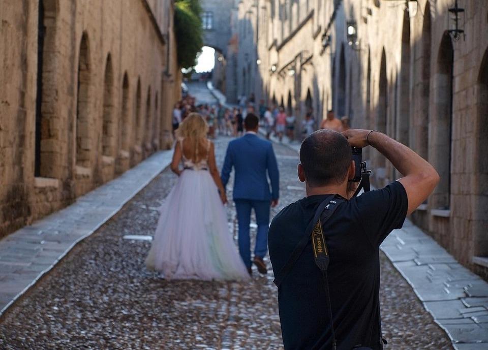 Viitorii miri sunt așteptați, în week-end, la un festival de nunţi