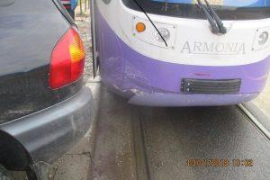 Nesimțirea unor șoferi blochează tramvaie, ambulanțe și chiar Pompierii, la Timișoara