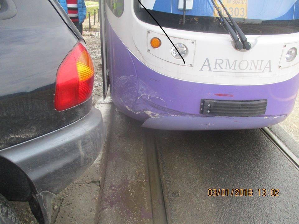 Amenzi maxime aplicate aproape degeaba, pentru blocarea circulației tramvaielor, pe străzile Timișoarei