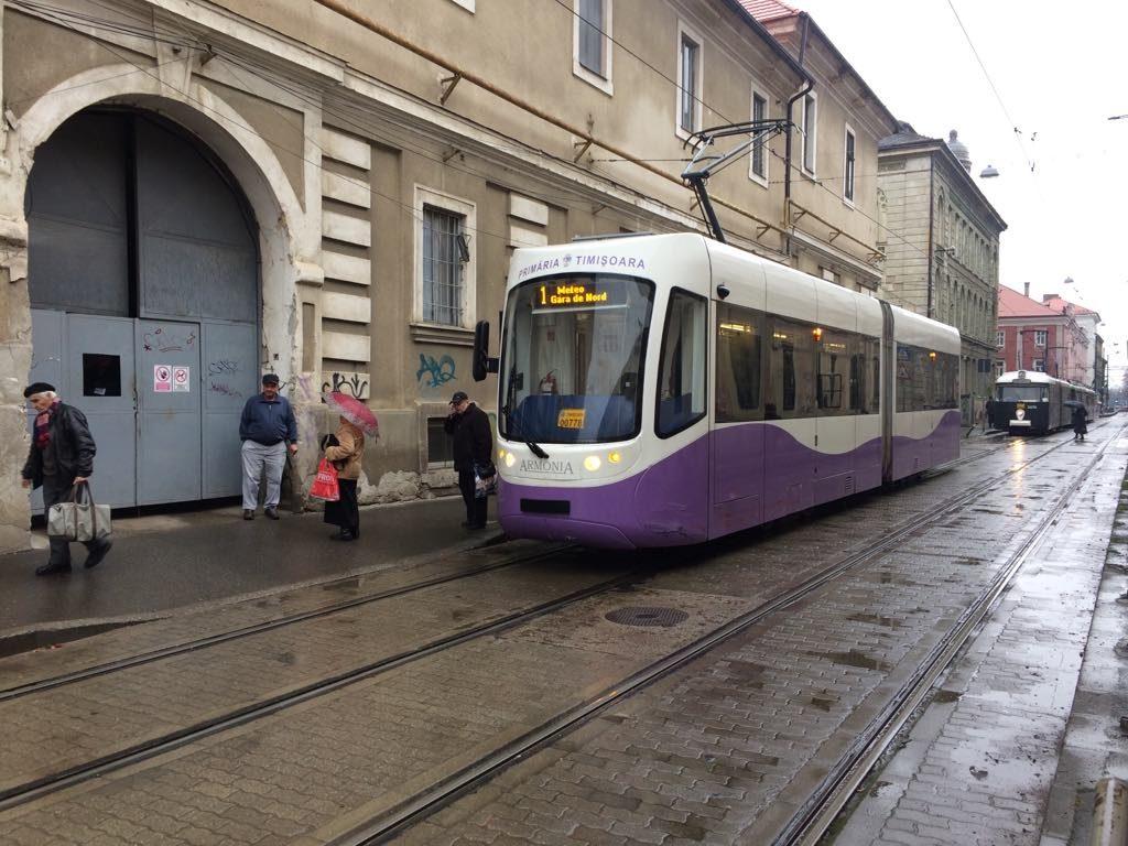 Un tramvai Armonia blocat pe linii. Care a fost cauza