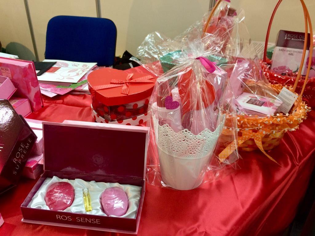 Cadouri de Valentine's Day la Salonul Industriei Ușoare