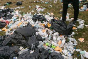Firmă din Jimbolia, sancționată pentru abandonarea de deșeuri pe o stradă din Timișoara