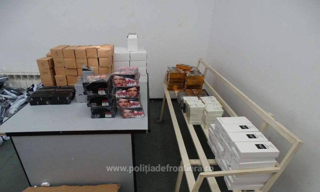 Produse cosmetice contrafăcute, în valoare de 250.000 lei, descoperite la vama Cenad