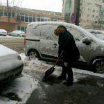 Timișoreni, curățați trotuarele de zăpadă și gheață! Poliția Locală e cu ochii pe voi!