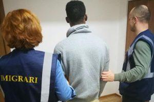 Un african care stătea ilegal la Timişoara, depistat de autorităţi