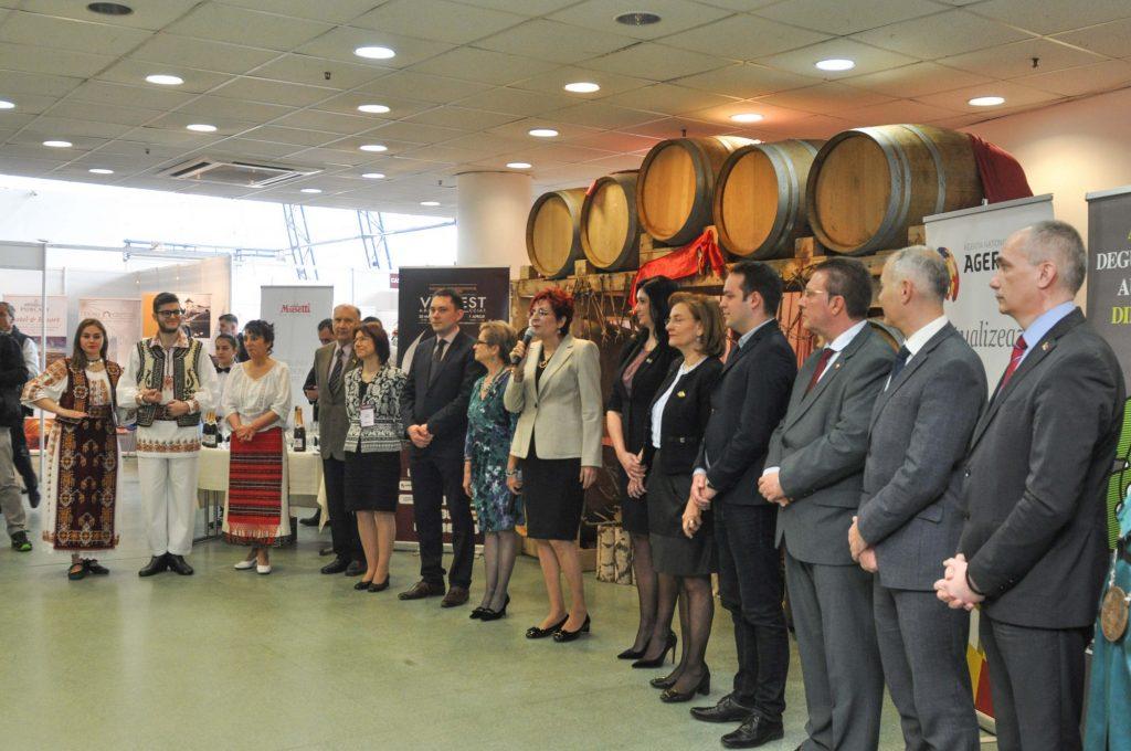 Salonul VINVEST și-a deschis porțile. Peste 300 de sortimente de vinuri, șampanie și distilate