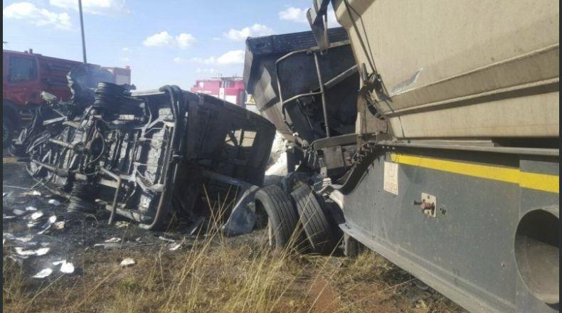 Impact frontal pe o şosea din Olanda. Cinci români au murit pe loc