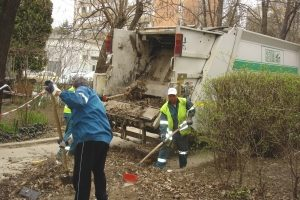 A început colectarea deșeurilor vegetale și a deșeurilor provenite din construcții și demolări