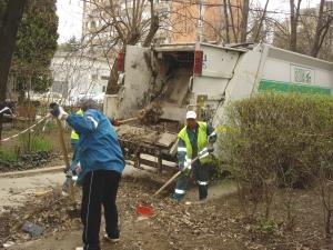 Robu susţine că s-au făcut progrese în privinţa curăţeniei stradale