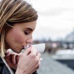 Trei motive să eviți cafeaua la prima oră a dimineții
