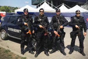 Jandarmii asigură ordinea la meciul de fotbal Ripensia Timişoara – UTA