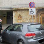 Ocupi cu nesimțire locul de parcare destinat persoanelor cu dizabilități? La Timișoara plătești scump!