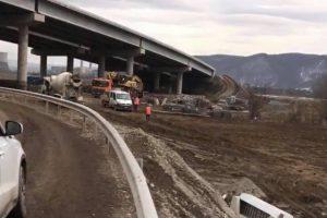 Au fost reluate lucrările pe lotul 4 al autostrăzii Lugoj – Deva