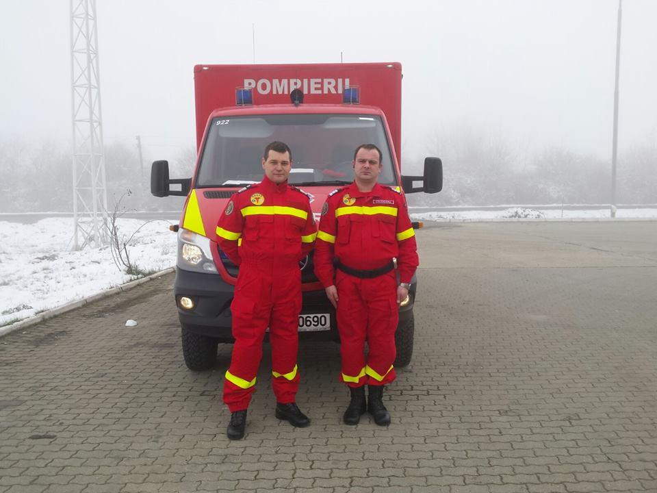 Pompierii patrulează pe străzi ca să salveze persoanele fără adăpost