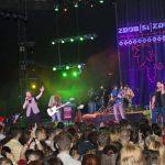 Zdob şi Zdub şi Nicoleta Nucă cântă în Piaţa Unirii